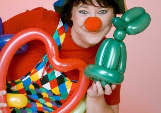 Zauberclown Yvonne mit Spiel und Spaß!