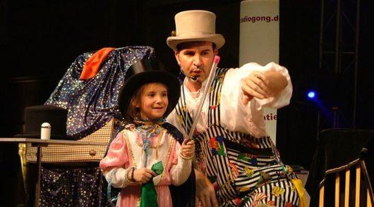 Kinderzaubershow und Ballonmodellage
